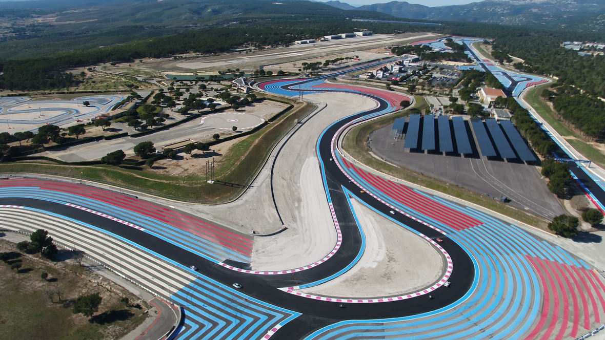 le camping officiel du circuit paul ricard tv83. Black Bedroom Furniture Sets. Home Design Ideas